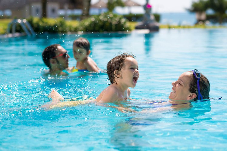 Family days at the pool Rondo Slovenska plaža image
